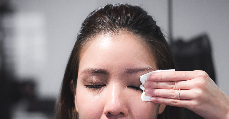 The Best Way To Remove Your Makeup + Giveaway
